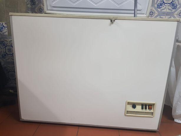 Arca congeladora Eurofrost 350lts