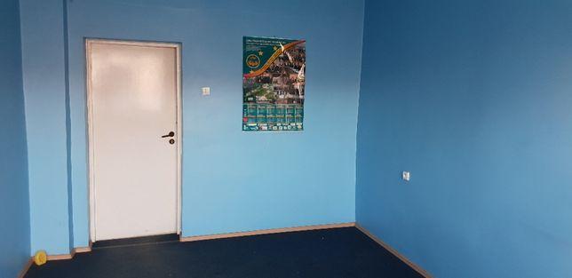 Wynajmę pomieszczenia na pracownię, magazynek, studio nagrań.