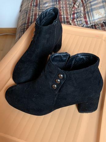 Sapatos/Botins tamanho 37