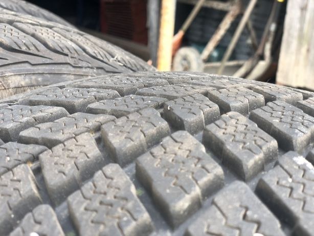 Резина Roadstone WinGuard 255 50 r19 зима