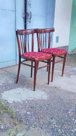 Старинные стулья/стулья в стиле ретро