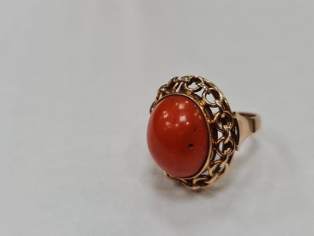 Koral! Piękny złoty pierścionek damski/ 585/ 8.79 gram/ R14/ Wiekowy