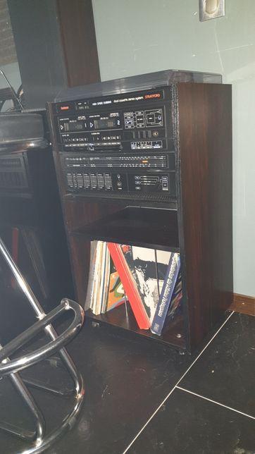 Rádio GOODMAN STRATFORD com Gira discos e móvel
