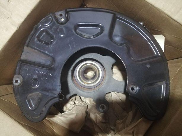 Цапфа поворотный кулак Mercedes e350 e550 w212 4matic A2123321501