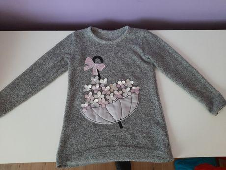 Śliczny ciepły sweterek dla dziewczynki