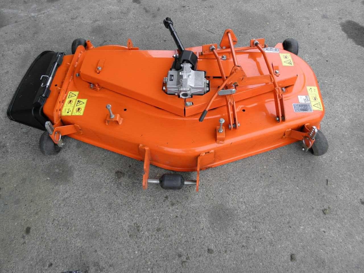 Deck tnący do Kuboty GR2100 boczny wyrzut (060502) - Baras