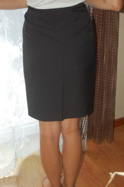 czarna, ołówkowa, klasyczna spódnica