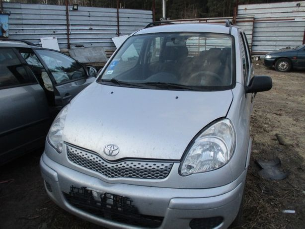 Toyota Yaris Verso Lift 2005 przód kompletny EU