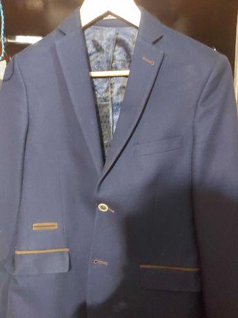 Рубашка,пиджак, жакет,плюс подарок