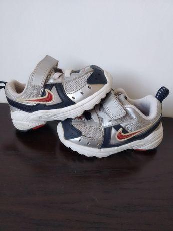Buty Nike roz 20