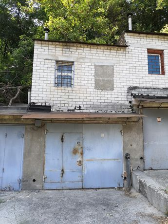 """Двухэтажный капитальный гараж в гбк """"Соляной"""" (Лукьяновка)"""
