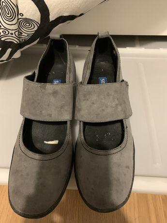 Sapatos cinza seaside