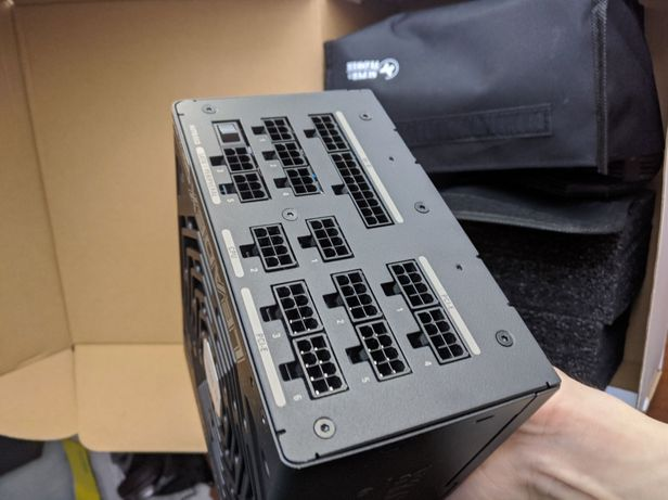 Блок питания Super Flower Leadex 1000W Titanium
