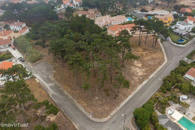 Terreno urbano com área de 2128m2 no Mucifal, Colares, Sintra
