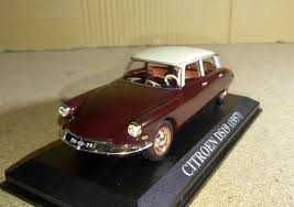 carro coleção Citroën ds 19 escala 1/43 em bom estado