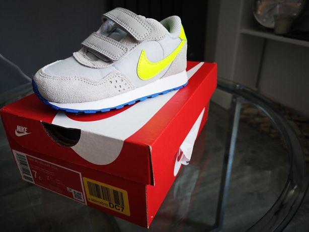 Buty dziecięce Nike r. 23.5 Nowe