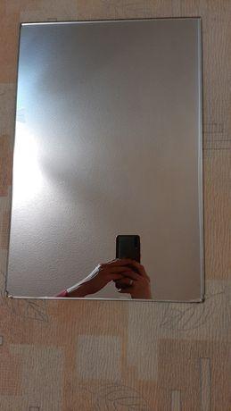 Продам зеркало не большое