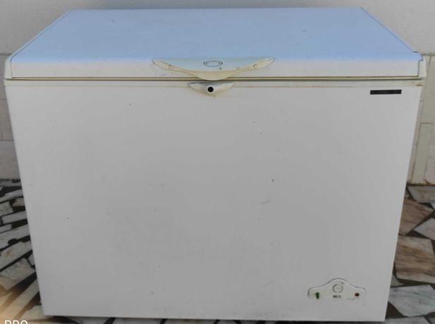 arca congeladora com 296 litros