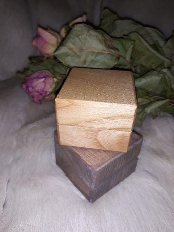 Pudełko drewniane na pierścionek