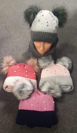 Piękny komplet czapka plus komin dziewczęcy polski dwa pompony zimowy
