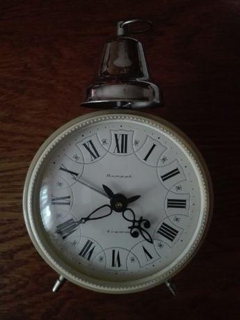 Zegarek budzik nakręcany