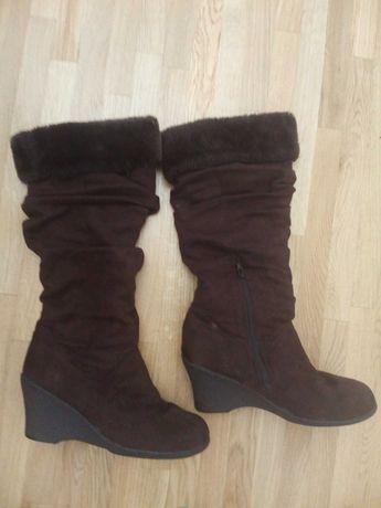 Зимові чоботи на платформі