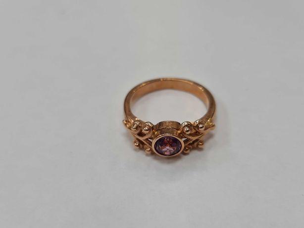 Wiekowy złoty pierścionek damski/ Radzieckie 583/ 3.74 gram/ R10