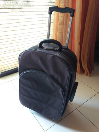 Mala de viagem e mochila