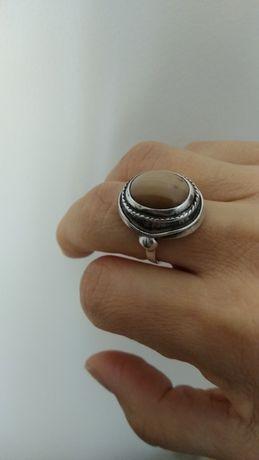 Pierścionek ( stara biżuteria)