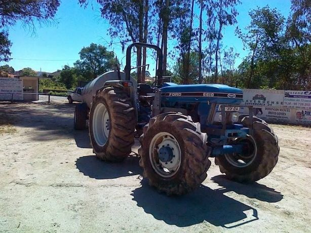 Exelente tractor agricula com pafrontal