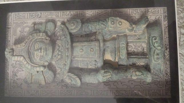 Starożytna figurka z wykopalisk archeologicznych