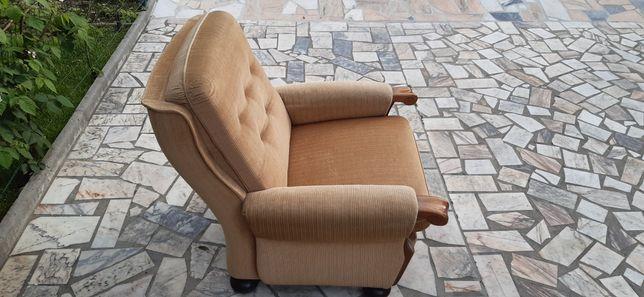 Sofa 1 lugar madeira e tecido