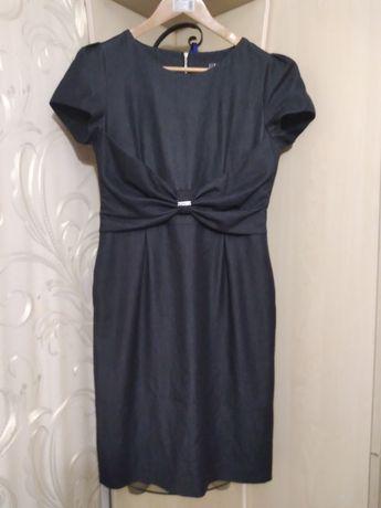Продам платье на худенькую девушку ,размер 42 -44