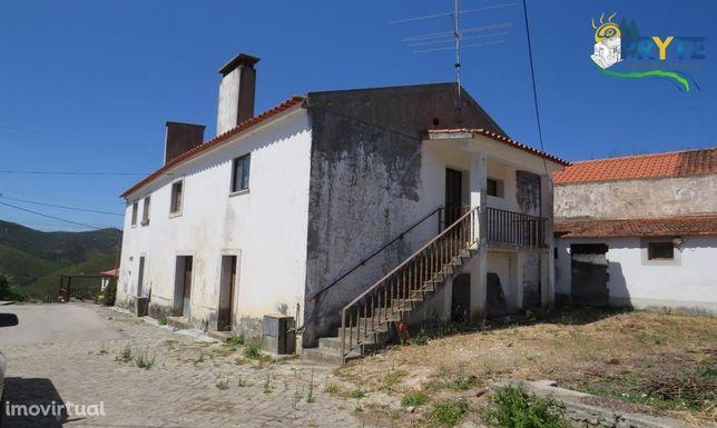 Moradia de tipologia T4 situada em Vale do Rio - Figueiró dos Vinhos