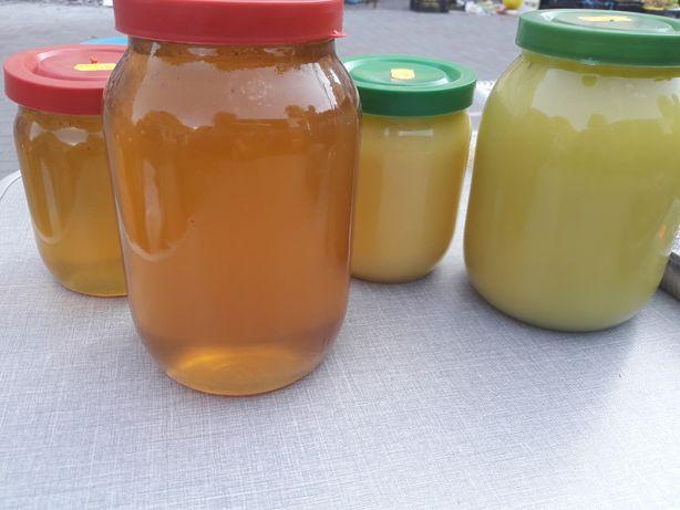 Мёд с собственной пасеки.