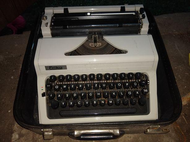 Sprzedam maszyny do pisania .