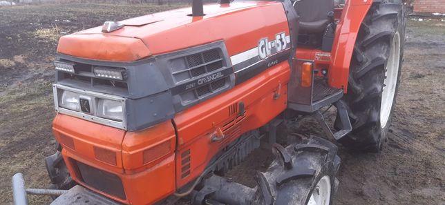 Трактор привезений із японії ку бота  kubotaGL53