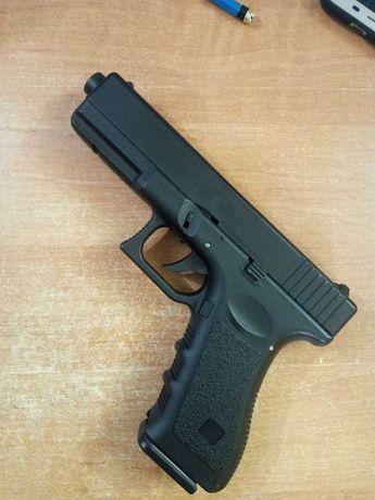 Страйкбольный писолет Glock 18 обмен на Glo