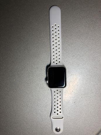 Apple Watch 3 42mm silver aluminium case