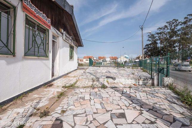 Moradia Térrea com terreno de 1043m2