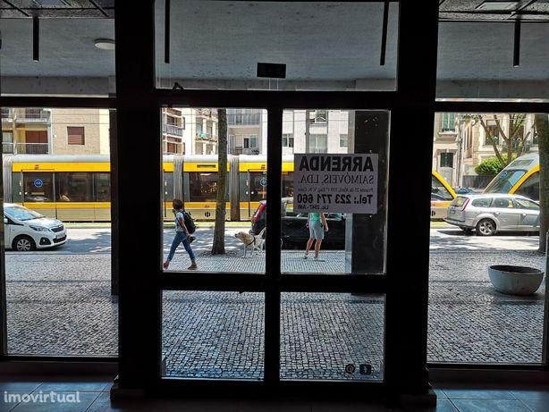 Loja de Rua - 180m2 - Av. República - Ao Jardim do Morro/ Ponte D.Luis