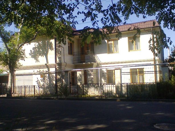 Сдам посуточно 2эт дом 11мест 4 комн., Львовская/Равенства, 13 фонтана