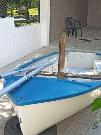 Barco a vela classe dot *ler descrição*