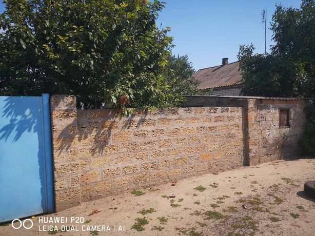 Хороший домик в центре села Великие Копани.
