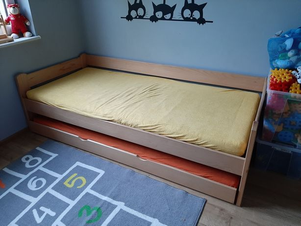 Łóżko młodzieżowe drewniane