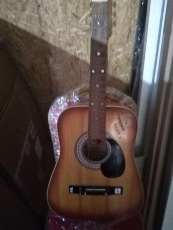 Gitara klasyczna solidna