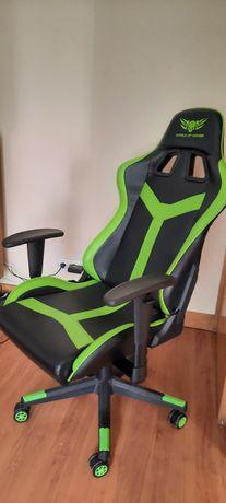 "Cadeira gaming ""World of gamer"""