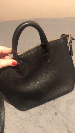 Sprzedam mala czarna torebkę Mohito
