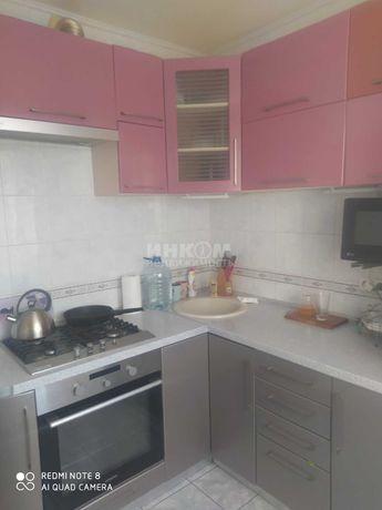 Продам трехкомнатную квартиру в городе Луганск