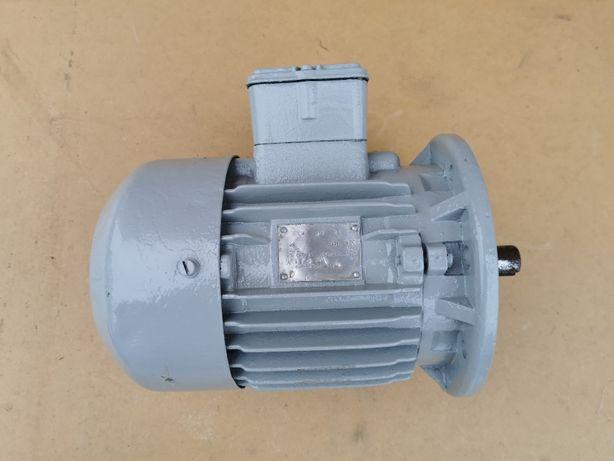 Silnik elektryczny 1,1 kw 1410 obr/min 3 fazowy
